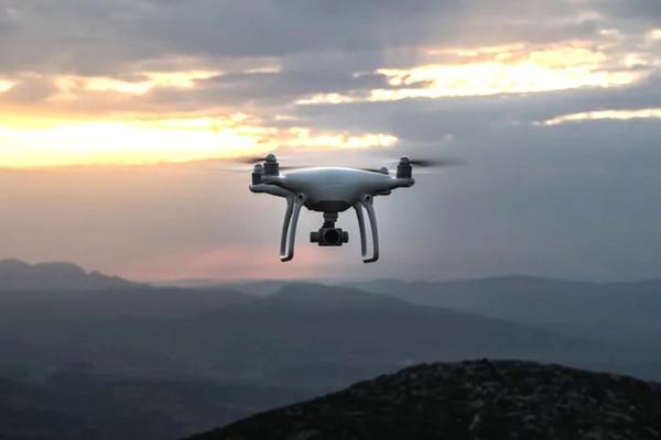 Trung Quốc biến drone thành công cụ cảnh báo vi phạm giao thông từ trên cao