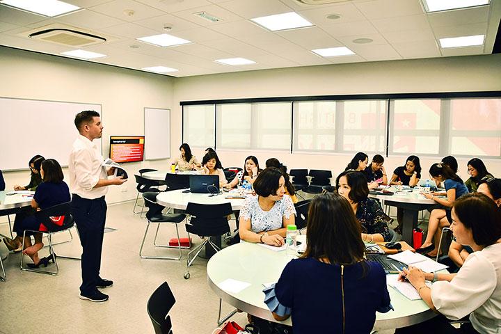 Hà Nội và ĐH Anh Quốc Việt Nam đào tạo nâng cao năng lực cho cán bộ quản lý giáo dục và giáo viên