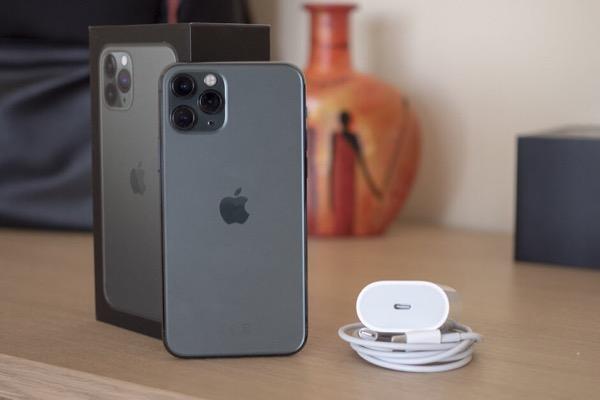 Thử sạc nhanh trên iPhone 11 Pro: Hơn 50% trong 30 phút