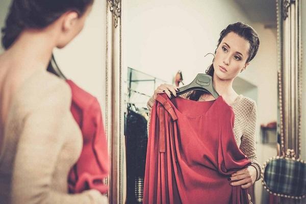 Kết quả hình ảnh cho cách chọn quần áo hợp với dáng người
