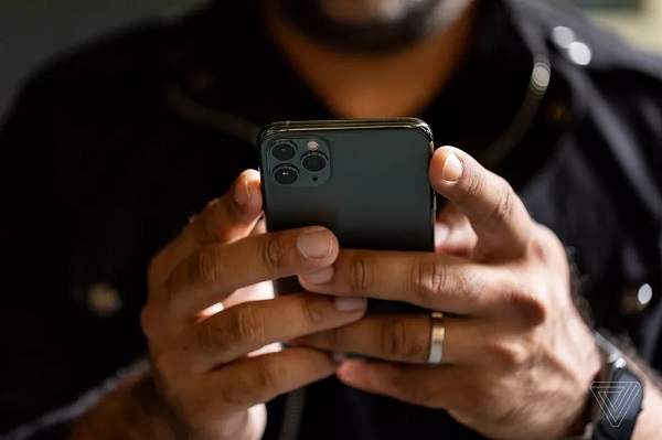 Apple cảnh báo bàn phím bên thứ ba có thể gửi dữ liệu lên internet mà không cần cấp quyền trên iOS 13 & iPadOS