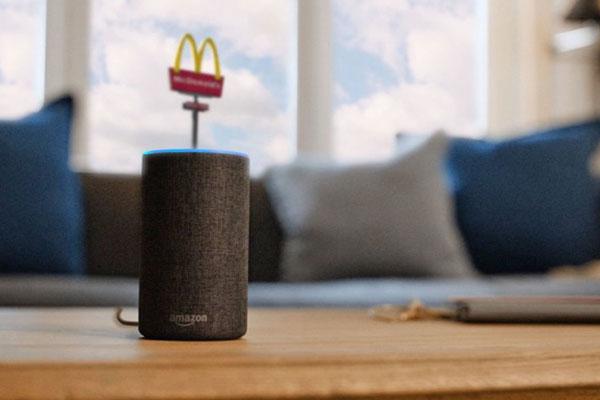 McDonald's cho phép gọi trợ lý ảo để... xin việc