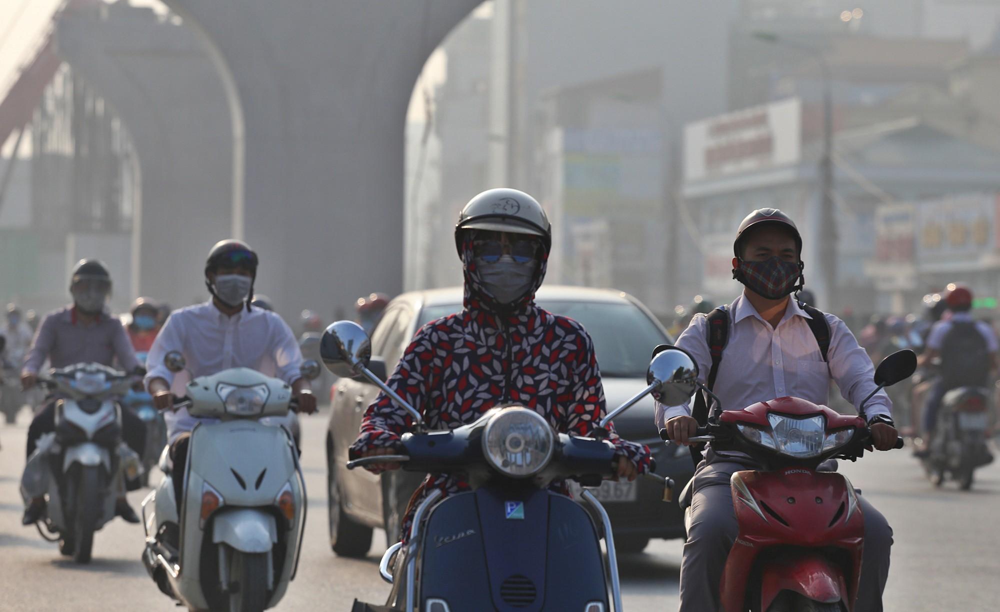 Vì sao sáng nay Hà Nội và TP.HCM vào top 3 thành phố ô nhiễm nhất thế giới?