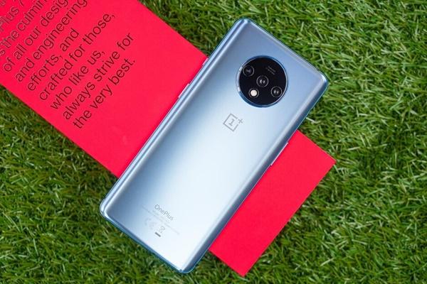 OnePlus 7T ra mắt: 3 camera, màn hình 90Hz, chipset Snapdragon 855+