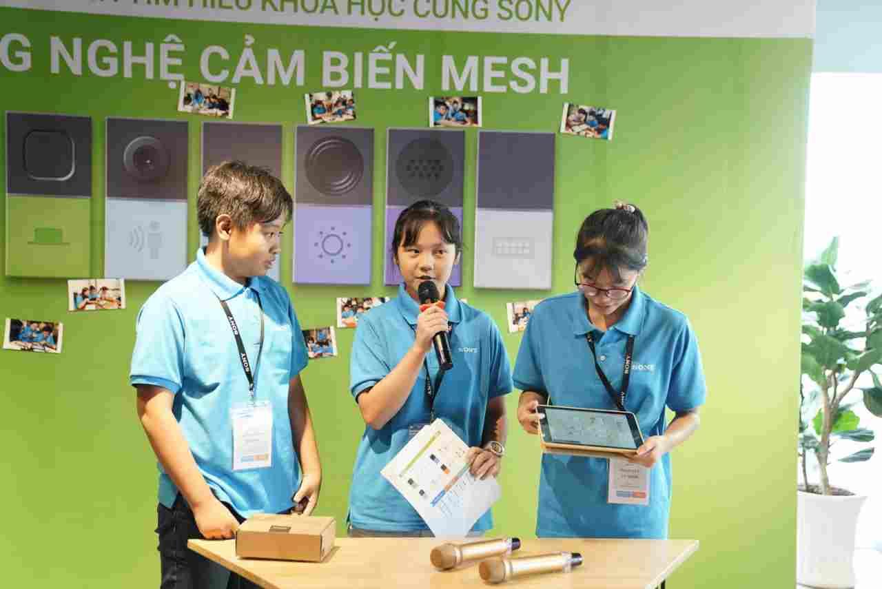 Sony tiếp tục mang cảm biến MESH và chú chó robot aibo đến với các học sinh Việt Nam