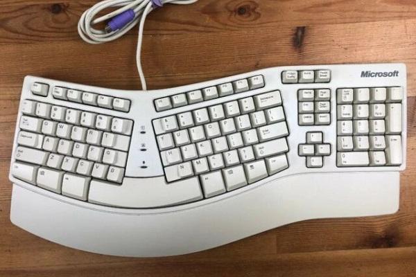 Microsoft sẽ ra mắt phiên bản mới hiện đại hơn của bàn phím Ergonomic Keyboard