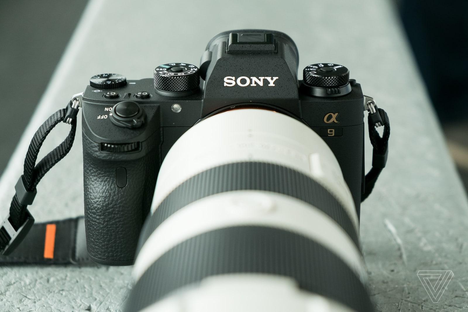 Sony công bố máy ảnh A9 II với tốc độ chụp siêu nhanh, giá 4500 USD chỉ riêng body
