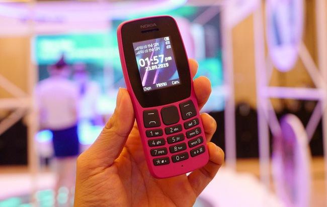 """Việt Nam tắt sóng 2G: Ngày tàn của """"điện thoại cục gạch"""" đã đến?"""