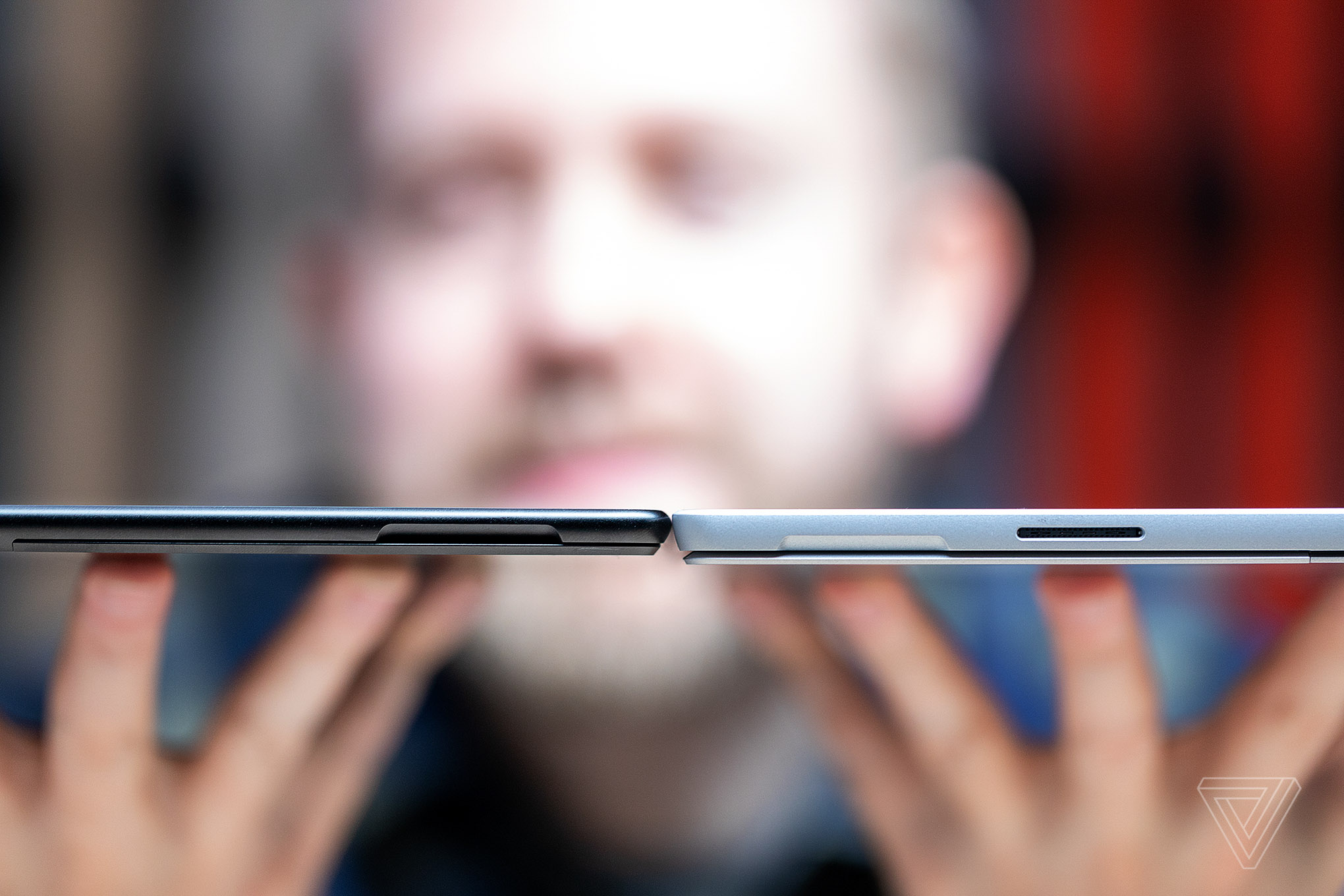 Cả hai đều mạnh mẽ và mỏng nhẹ: chọn Surface Pro X hay Surface Pro 7?