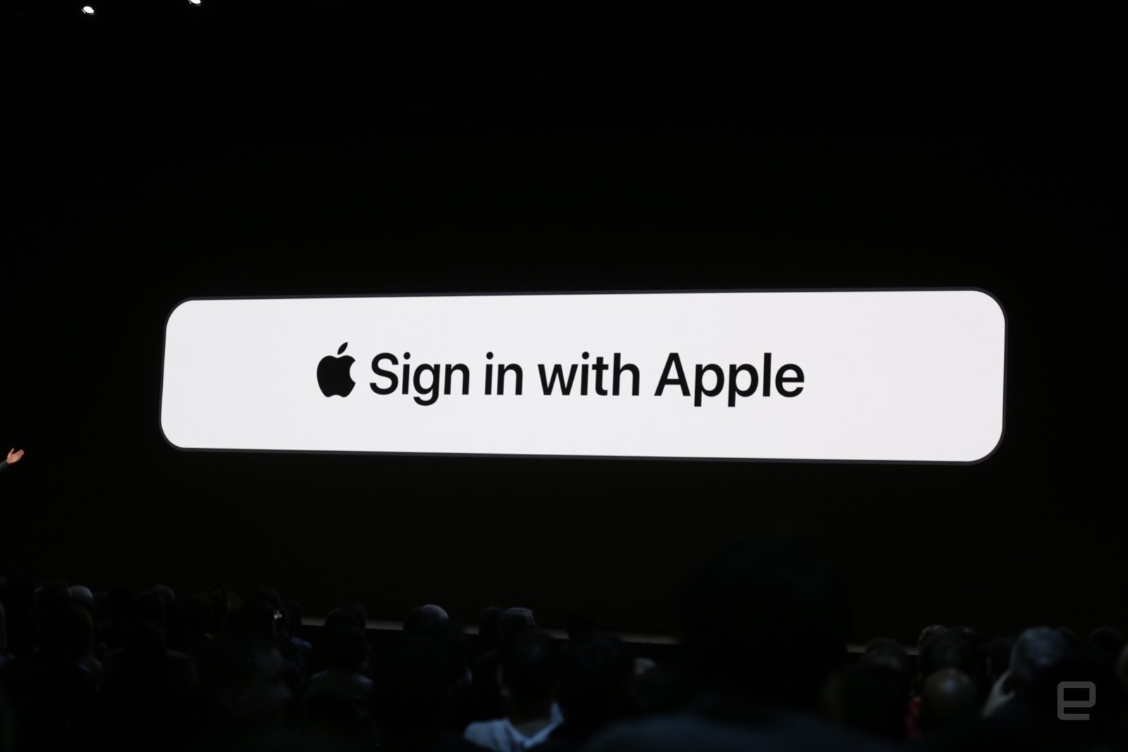 """Nhà phát triển cáo buộc Apple sao chép tính năng email ẩn danh dùng cho công cụ """"Sign in with Apple"""""""