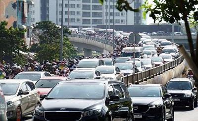 TP. Hồ Chí Minh tăng phí đăng ký ô tô con lên gần gấp đôi