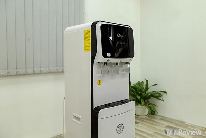 """Trên tay Fujie WPD5300C: """"combo"""" máy lọc nước kiêm cây nước nóng lạnh, giá 5.7 triệu đồng"""