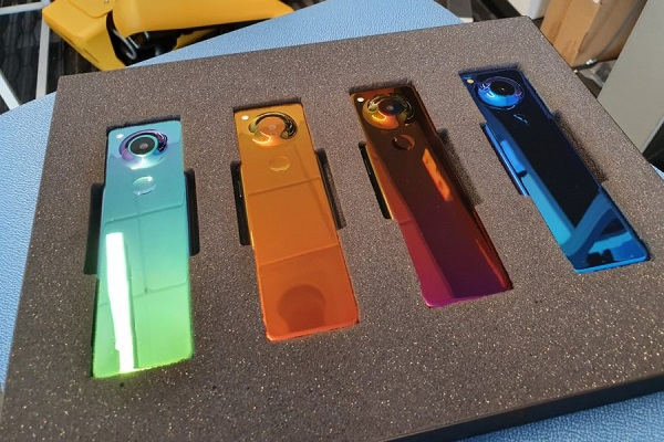 """Andy Rubin nhá hàng smartphone """"Project Gem"""": hình dạng giống thỏi socola, 4 màu sắc"""