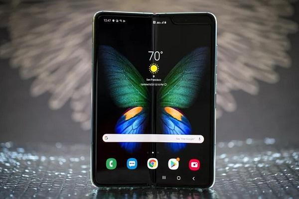 Samsung đang cố biến Galaxy Fold trở thành một chiếc tablet mà quên mất nó là smartphone