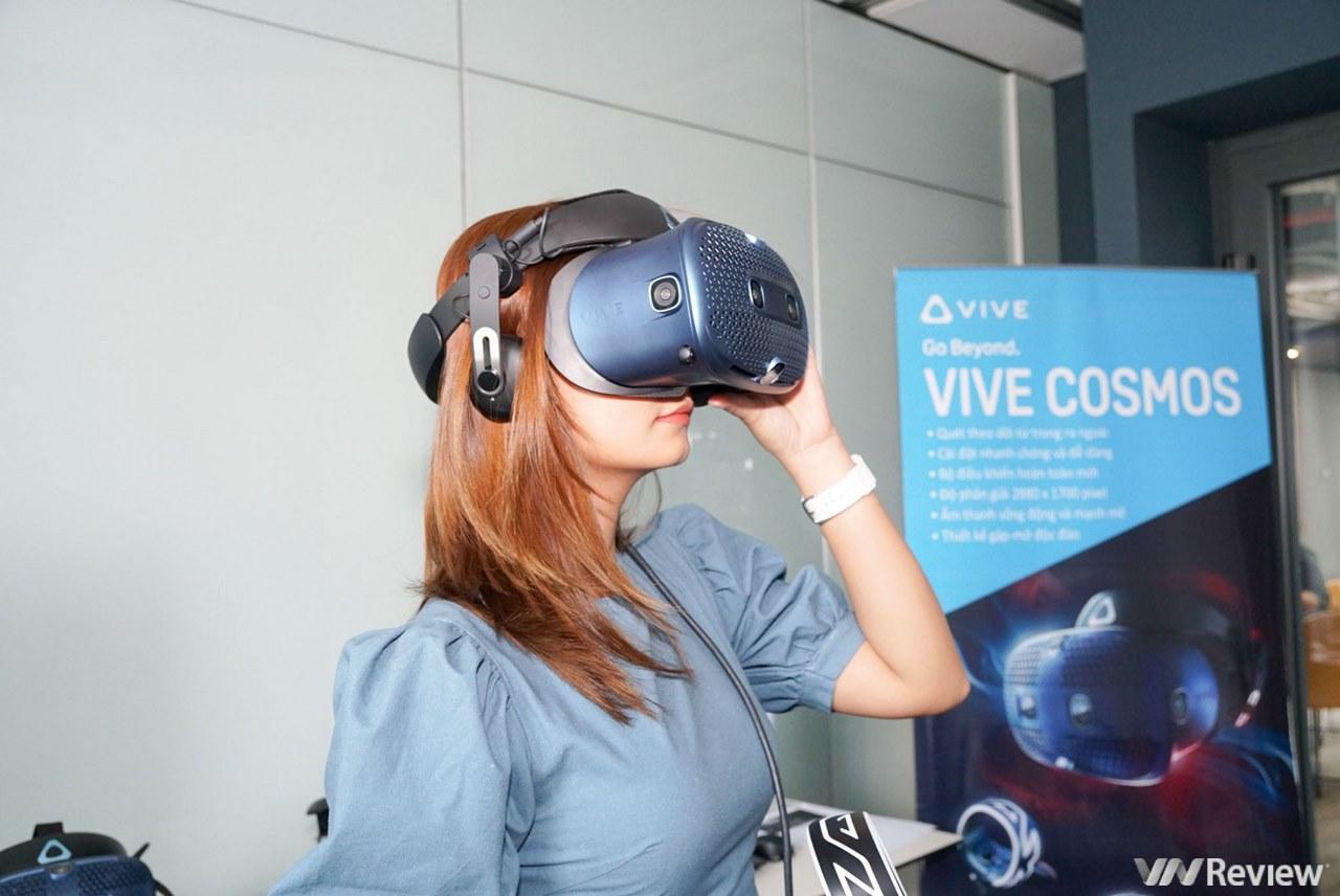 HTC mang kính VR cao cấp Vive Cosmos về VN, giá 25,5 triệu đồng
