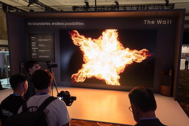 Những người đầu tiên mua màn hình Samsung The Wall: sao Hollywood, khách sạn, siêu du thuyền