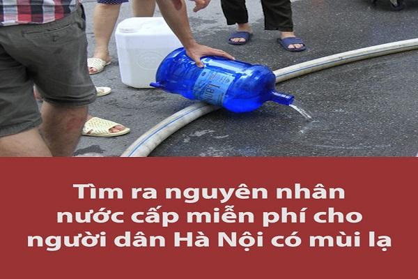 Nguyên nhân nước cấp miễn phí cho người dân Hà Nội có mùi lạ, màu đục