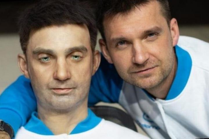 """Con robot này muốn """"mượn"""" khuôn mặt của bạn với giá 130.000 USD"""