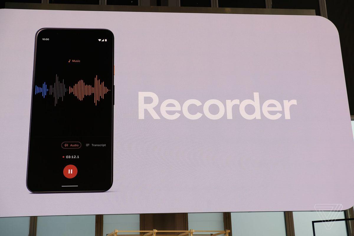 Pixel 4 phiên âm giọng nói của người phụ nữ nói nhanh nhất thế giới theo thời gian thực cực ấn tượng