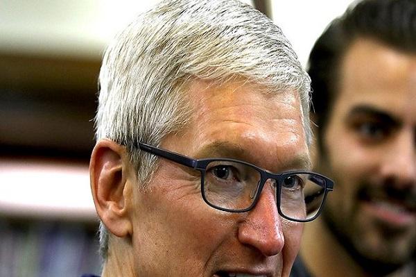 CEO Apple Tim Cook chia sẻ lý do ông quyết định công khai mình là người đồng tính