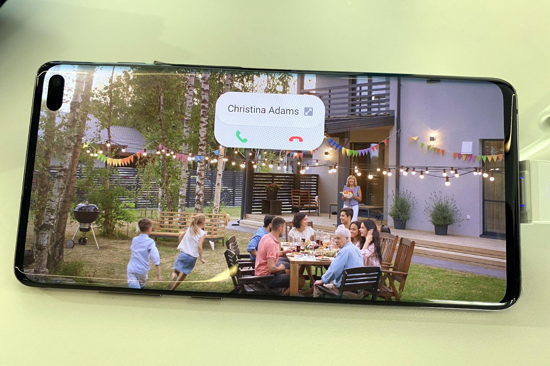 Samsung One UI 2.0 có khả năng sử dụng bằng một tay dễ hơn và hệ thống thông báo không xâm phạm