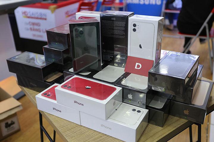 iPhone 11, 11 Pro, 11 Pro Max chính hãng VN/A giảm đến 3 triệu đồng tại Di Động Việt trong 3 ngày mở bán
