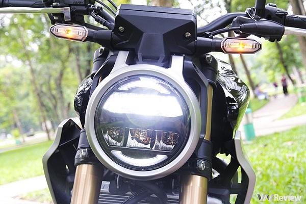 Naked-bike Honda CB300R lên kệ tại Việt Nam, thách thức Yamaha MT-03
