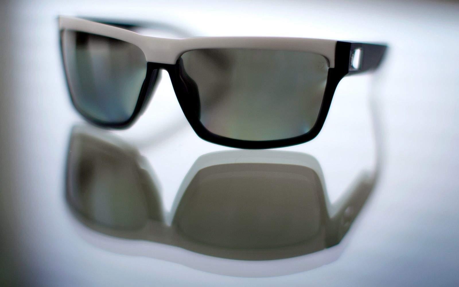 Apple hợp tác với Valve để phát triển kính thực tế tăng cường thay vì tự lực