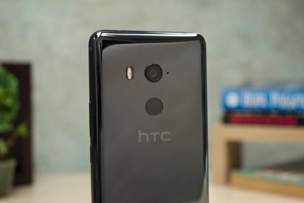 Doanh thu HTC tháng 10 tiếp tục giảm, không có hy vọng gì