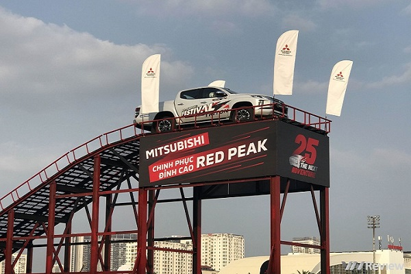 Mitsubishi tổ chức trải nghiệm và giới thiệu xe bán tải Triton 2019 mới, giá 740-865 triệu đồng