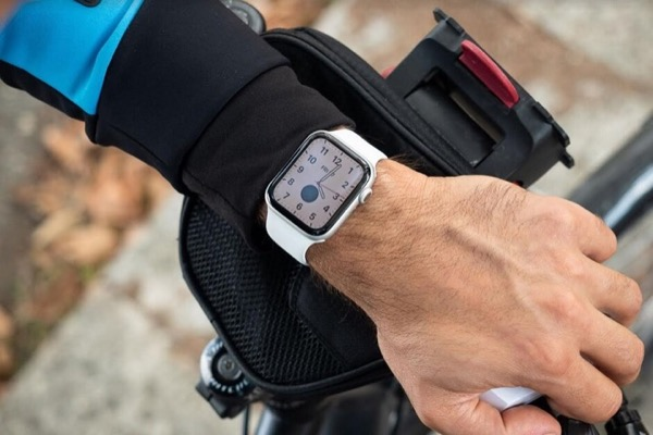 Apple Watch thế hệ mới sẽ có Touch ID trong màn hình?