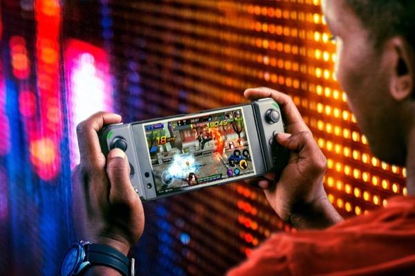 Razer ra mắt tay cầm biến smartphone thành 'Nintendo Switch Mini'