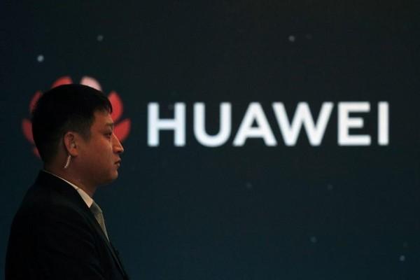 Huawei thưởng khủng cho nhân viên vì đã cùng chống lại Tổng thống Trump