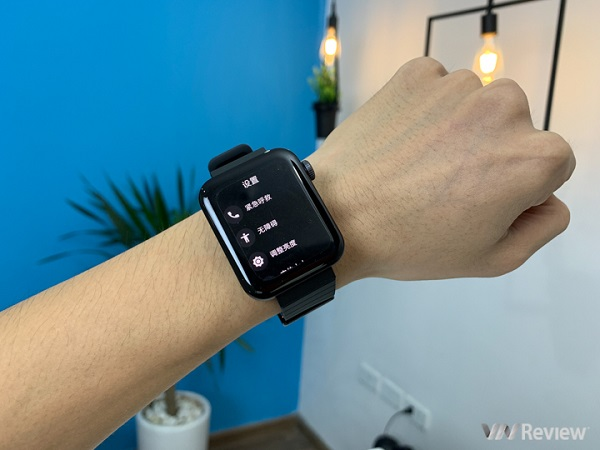 """Mở hộp Xiaomi Mi Watch đầu tiên tại Việt Nam: Chiếc """"Apple Watch giá rẻ"""" chúng ta hằng mong đợi"""