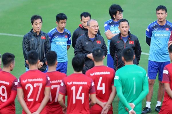 Danh sách tuyển Việt Nam đối đầu UAE ngày 14/11