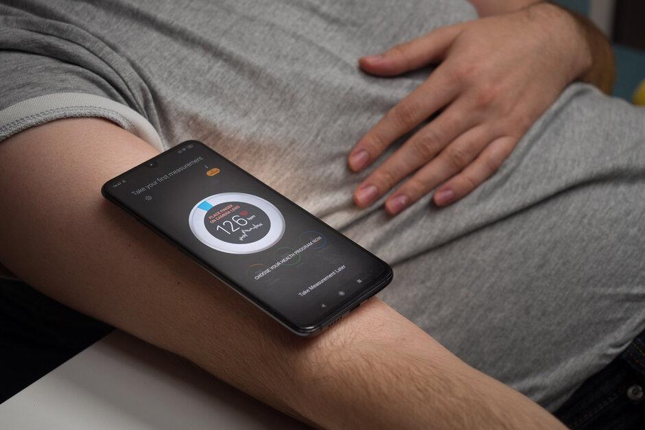 Đừng tin vào ứng dụng đo huyết áp trên điện thoại