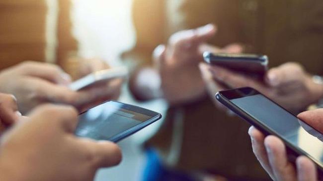 Tác hại của điện thoại: nhiều bệnh mới phát sinh, sức khoẻ suy giảm nghiêm trọng