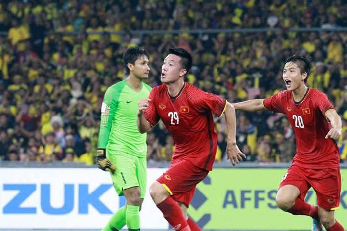 Chốt danh sách tuyển Việt Nam 'đại chiến' Thái Lan: 'Người hùng' AFF Cup bất ngờ bị loại