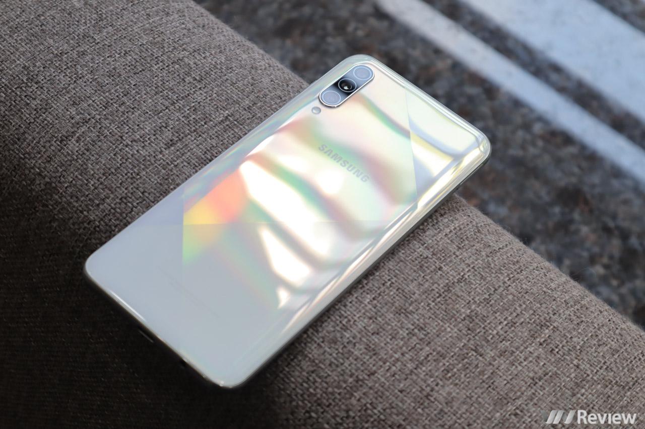 """Đánh giá Samsung Galaxy A50s: đáng mua với """"giá thị trường hiện nay"""""""