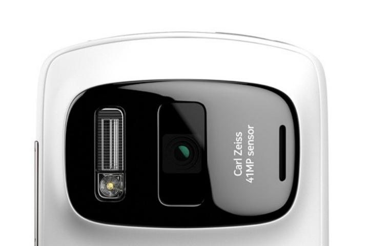 Nhìn lại Nokia 808 PureView: chiếc điện thoại đến từ tương lai
