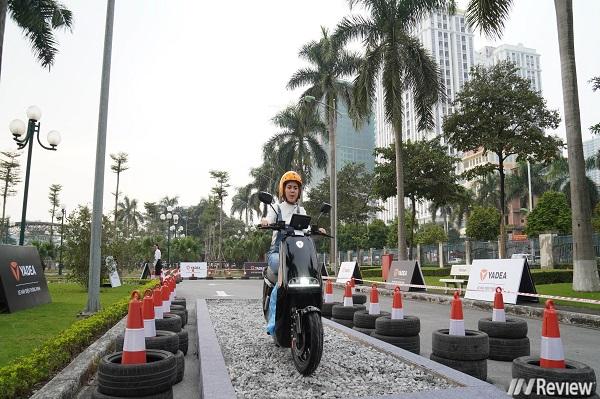 Trên tay nhanh xe máy điện YADEA G5 cạnh tranh với Vinfast Klara