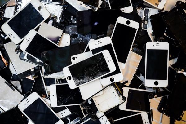 Apple khẳng định không thể kiếm lời từ sửa iPhone