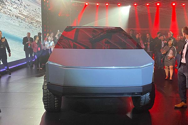 Xe điện Tesla Cybertruck nhận 140.000 đơn đặt hàng chỉ trong 2 ngày
