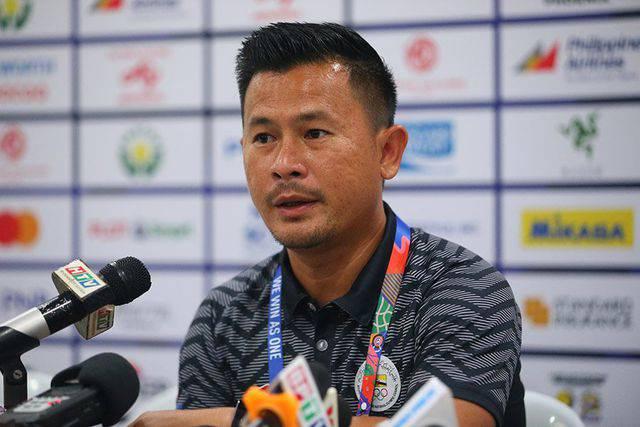 Thua Việt Nam đến 6 - 0, HLV trưởng Brunei còn không hiểu vì sao hoàng tử Faiq Bolkiah đá chính