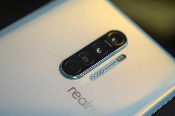 Redmi gọi, Realme liền trả lời với X50 5G