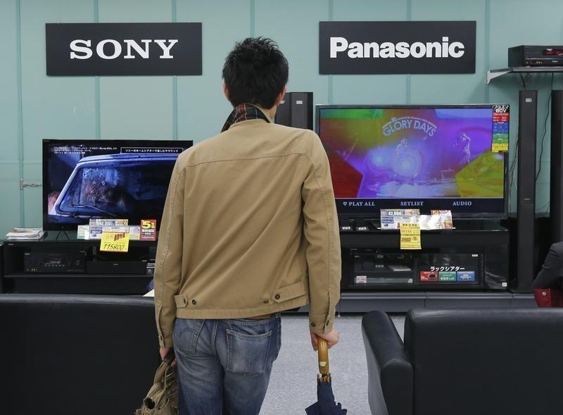 Panasonic và Sony: cùng là chuyển đổi cơ cấu, kẻ lên hương, người ngụp lặn