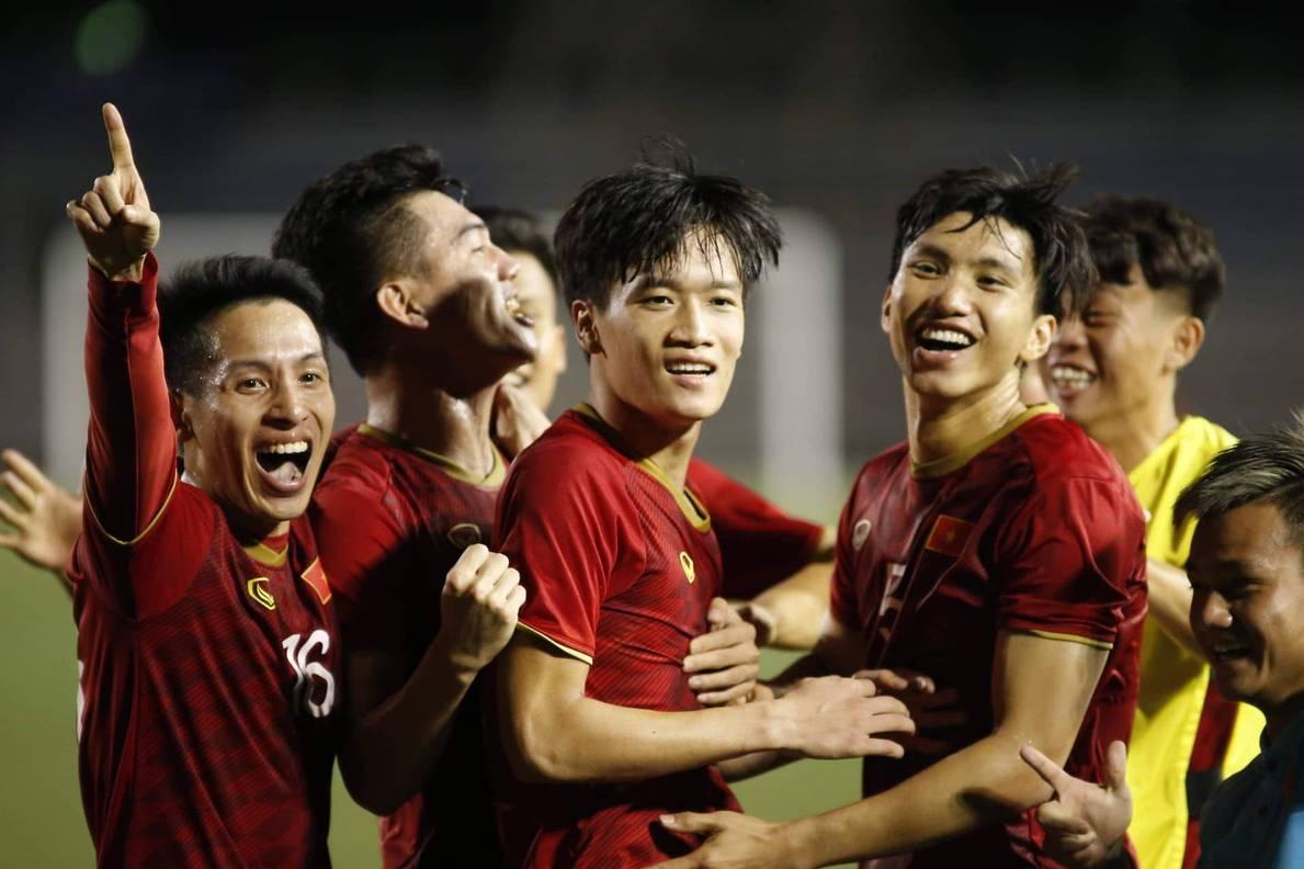 Sốc: Trận U22 Việt Nam - U22 Singapore có thể bị hoãn vì lý do không ngờ!
