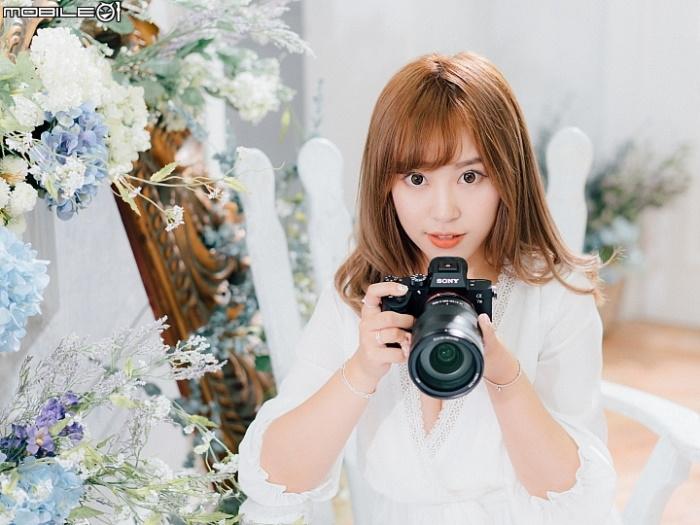 Sony chính thức là hãng máy ảnh full-frame lớn nhất, vượt qua Canon