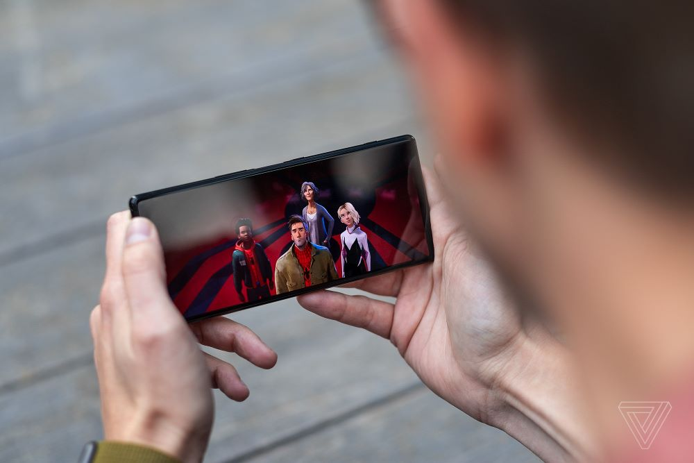 Thông tin vừa tiết lộ: màn OLED 4K của Sony Xperia 1 được mua từ Samsung
