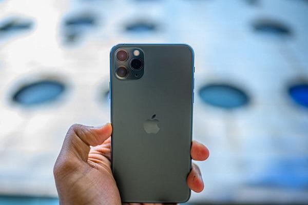 """Apple """"chạy đua"""" cùng Qualcomm để ra mắt iPhone 5G ngay trong năm 2020"""